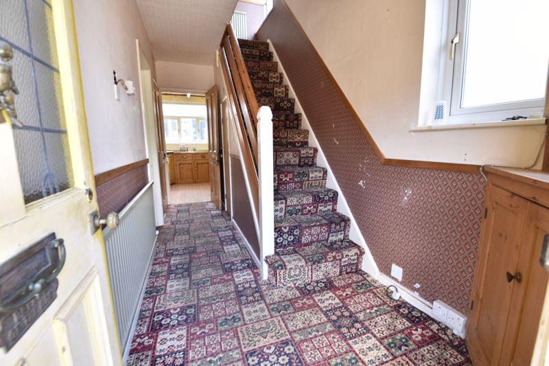 3 bedroom  to buy in Tenzing Grove, Luton - Photo 1