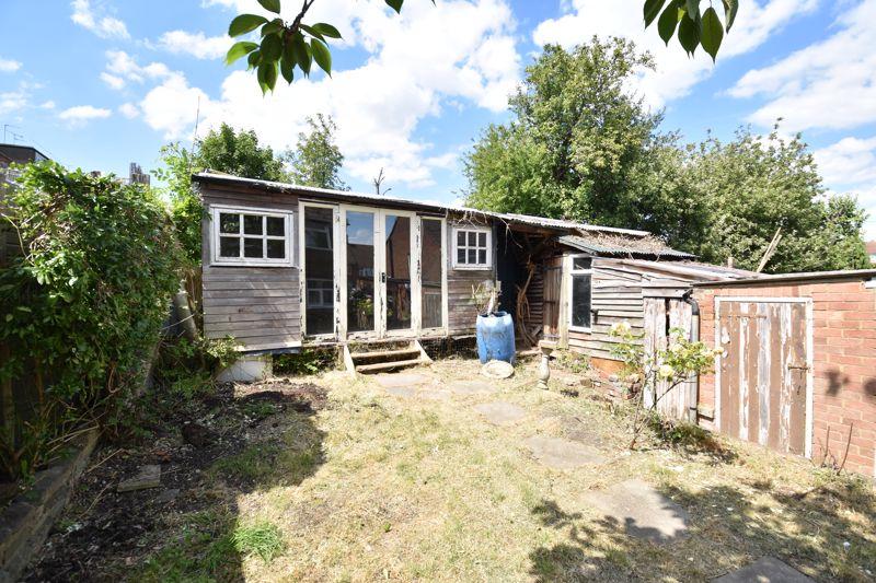 3 bedroom  to buy in Tenzing Grove, Luton - Photo 7