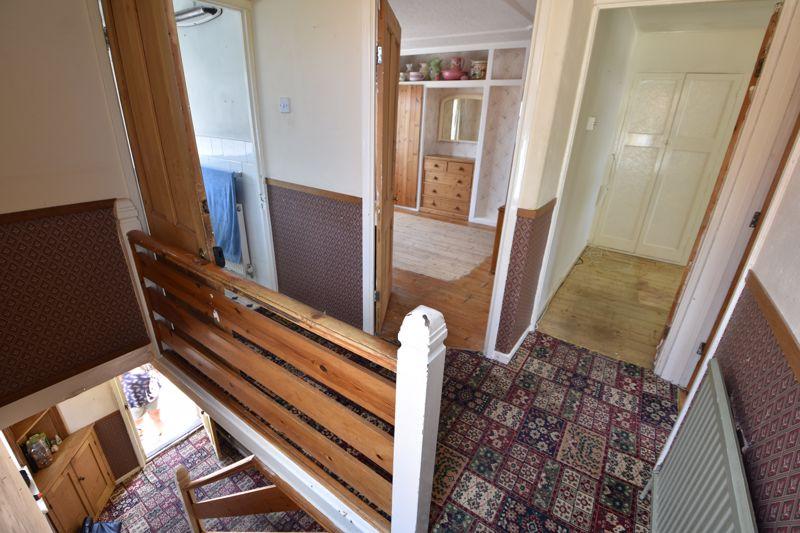 3 bedroom  to buy in Tenzing Grove, Luton - Photo 17