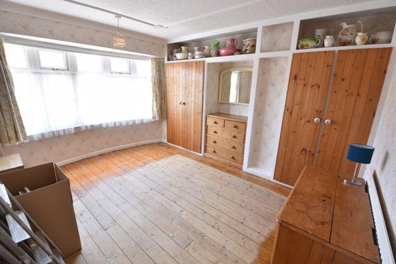 3 bedroom  to buy in Tenzing Grove, Luton - Photo 12