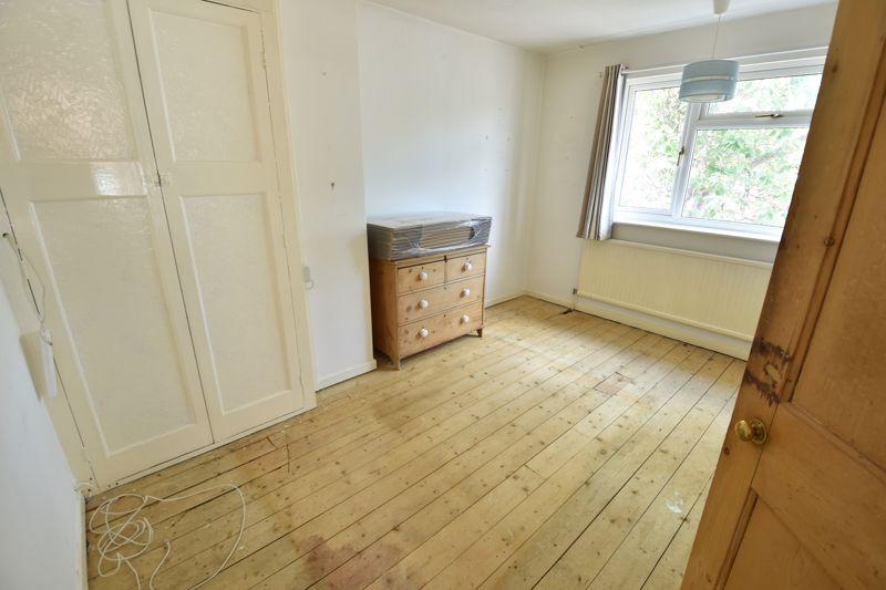 3 bedroom  to buy in Tenzing Grove, Luton - Photo 13