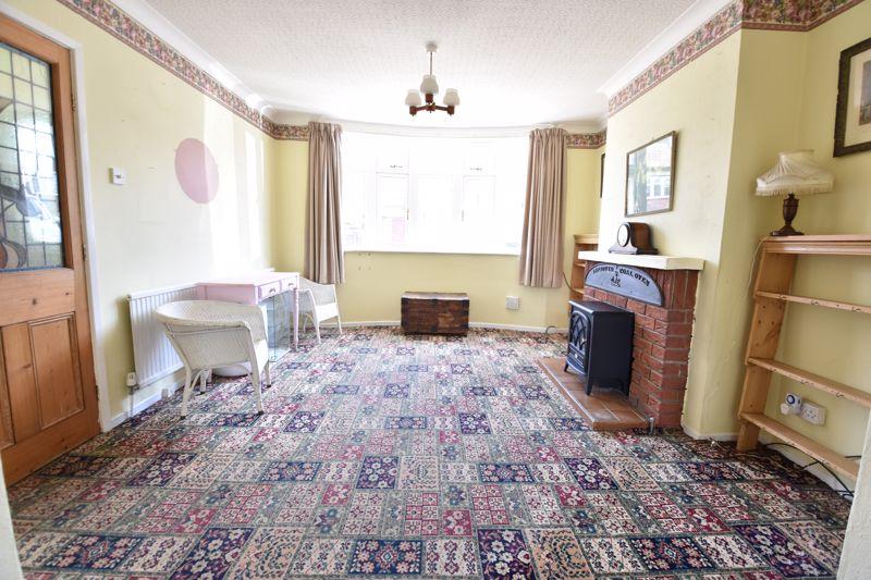 3 bedroom  to buy in Tenzing Grove, Luton - Photo 16