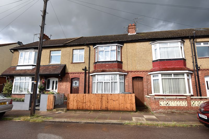 3 bedroom Mid Terrace to buy in Kenneth Road, Luton - Photo 8