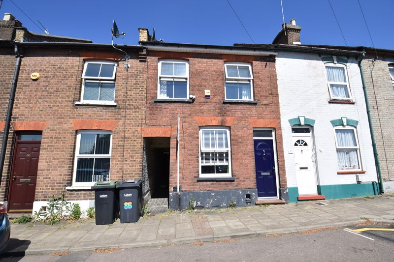 3 bedroom Mid Terrace to buy in Cobden Street, Luton