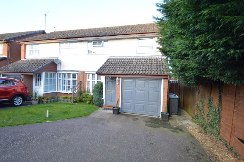 3 bedroom Semi-Detached  to buy in Kershaw Close, Luton - Photo 11