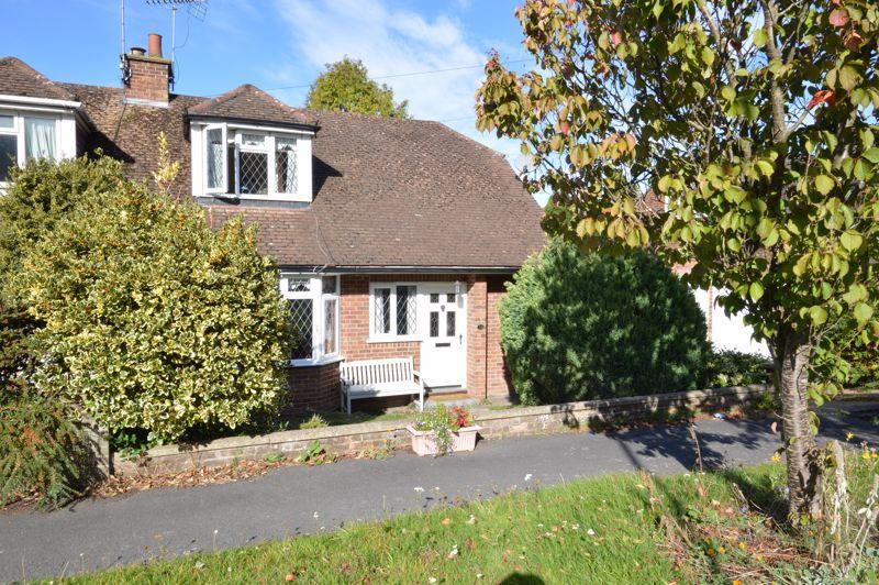 2 bedroom Semi-Detached  to buy in Alwyn Close, Luton - Photo 1