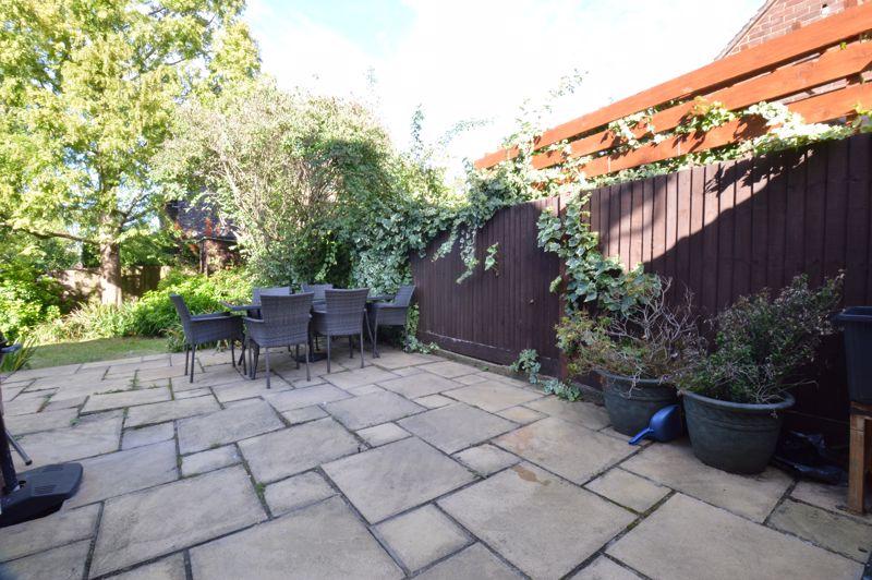 2 bedroom Semi-Detached  to buy in Alwyn Close, Luton - Photo 7