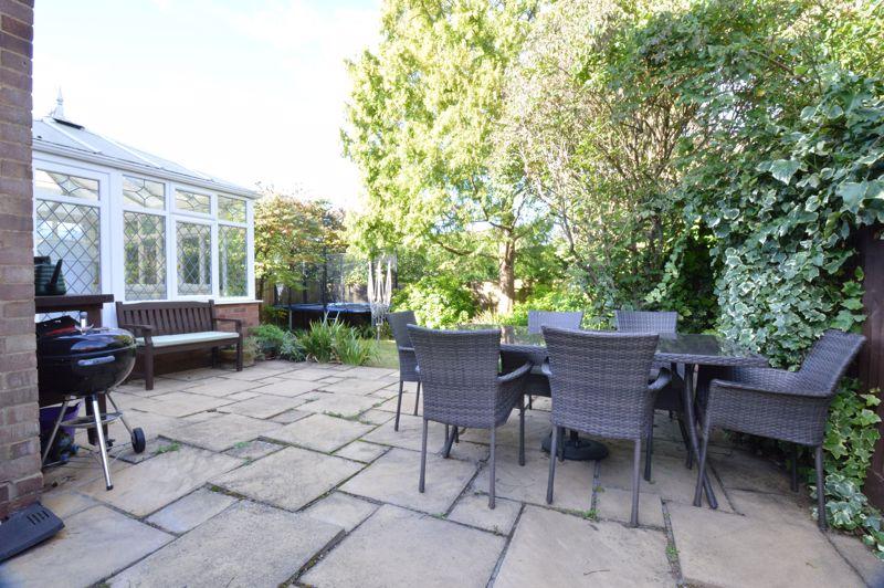 2 bedroom Semi-Detached  to buy in Alwyn Close, Luton - Photo 8