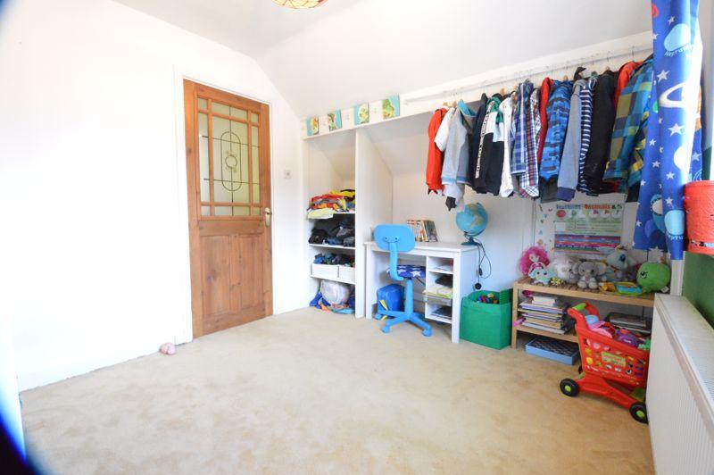 2 bedroom Semi-Detached  to buy in Alwyn Close, Luton - Photo 13