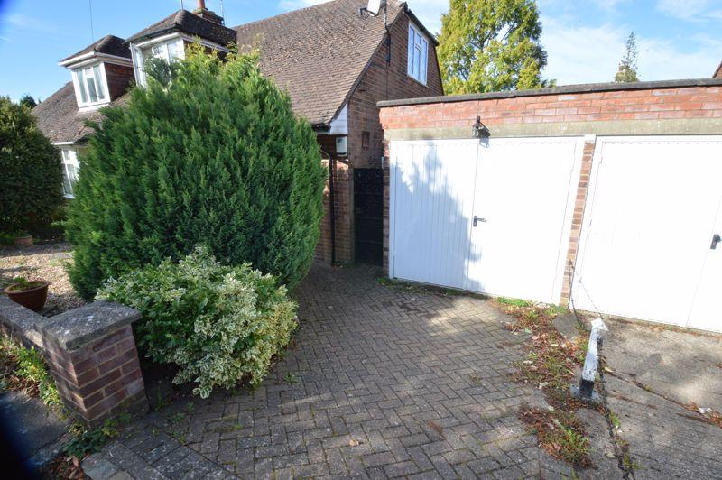 2 bedroom Semi-Detached  to buy in Alwyn Close, Luton - Photo 15