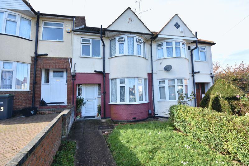 3 bedroom Mid Terrace to buy in River Way, Luton