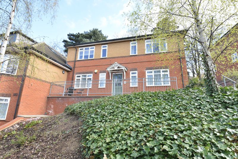 1 bedroom Flat to rent in Crescent Rise, Luton