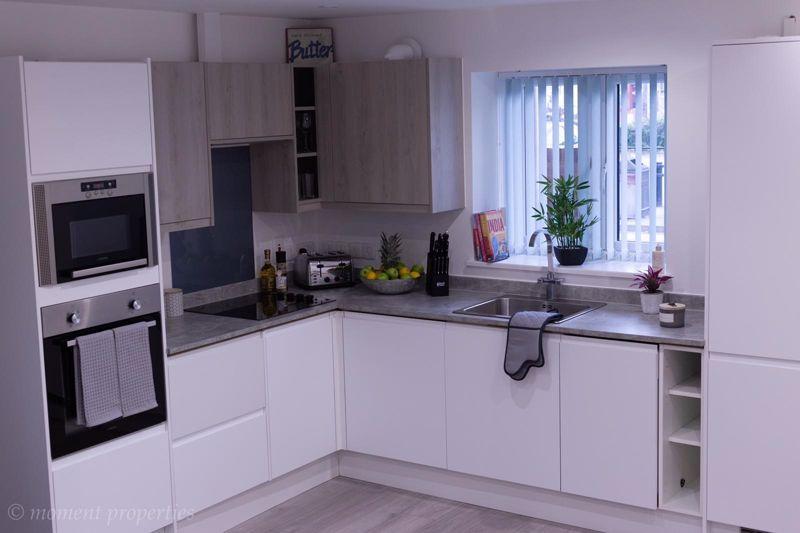 2 bedroom Apartment / Studio to rent in Ramridge Road, Luton - Photo 3