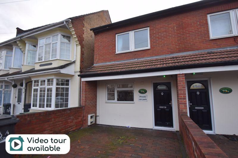5 bedroom Semi-Detached  to rent in Biscot Road, Luton