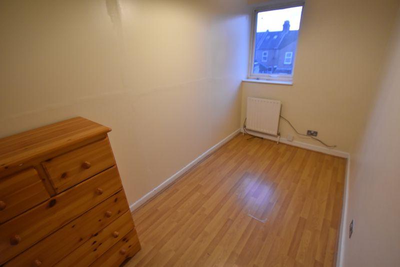5 bedroom Semi-Detached  to rent in Biscot Road, Luton - Photo 10
