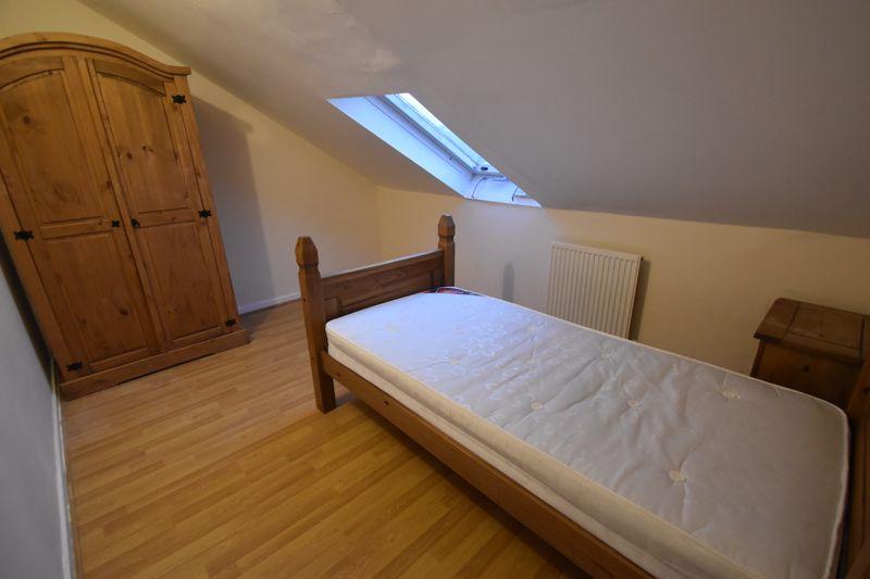 5 bedroom Semi-Detached  to rent in Biscot Road, Luton - Photo 13