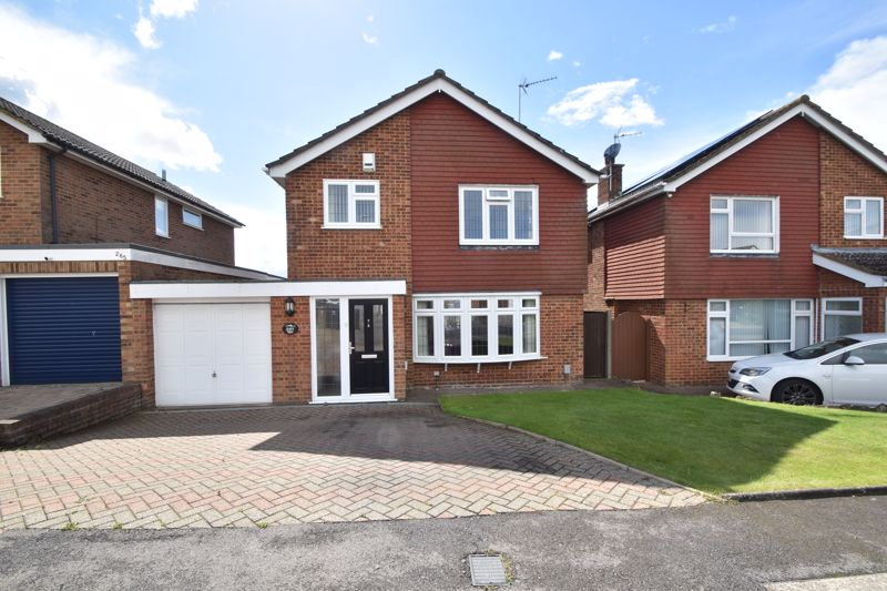 4 bedroom Detached  to buy in Turnpike Drive, Luton