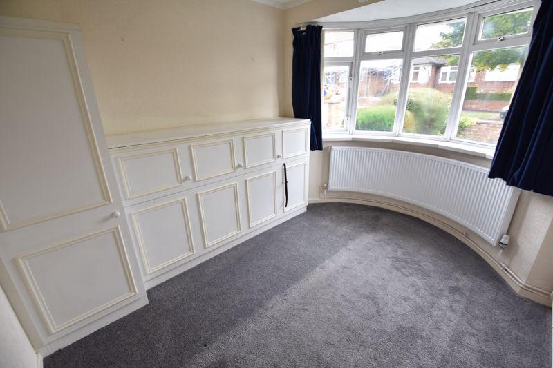 2 bedroom Bungalow to rent in Derwent Avenue, Luton - Photo 1