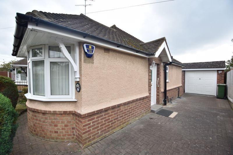 2 bedroom Bungalow to rent in Derwent Avenue, Luton - Photo 14