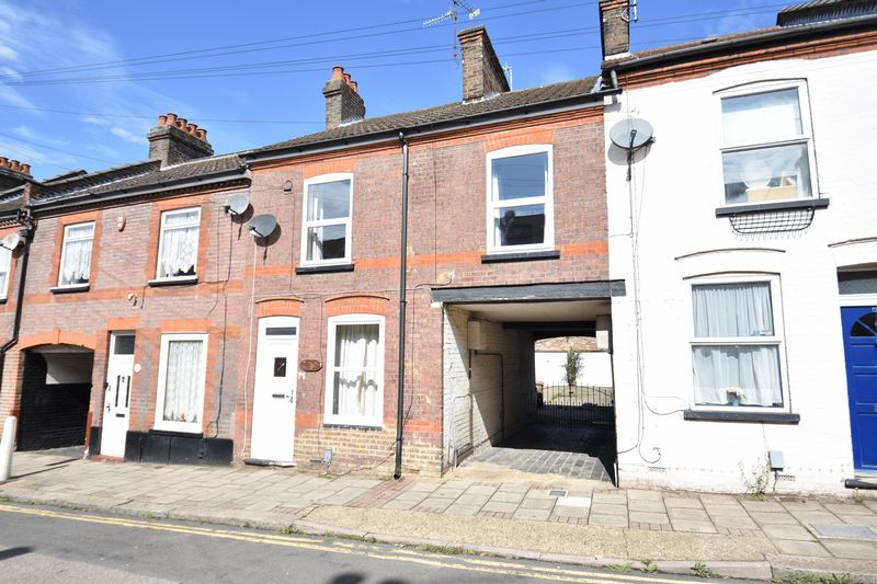 4 bedroom Mid Terrace to buy in Ridgway Road, Luton