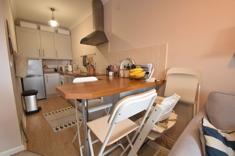 1 bedroom Flat to buy in Wensleydale, Luton - Photo 3