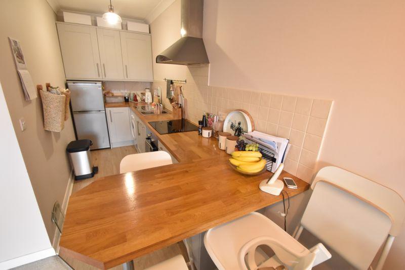 1 bedroom Flat to buy in Wensleydale, Luton - Photo 4