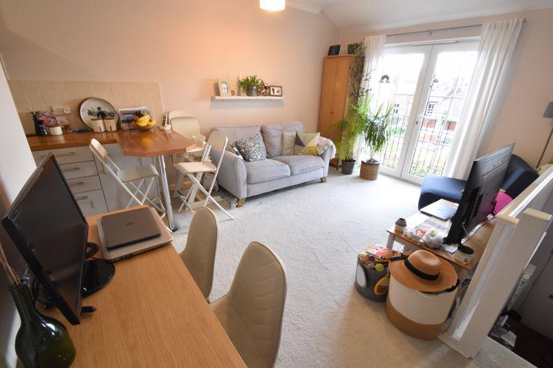1 bedroom Flat to buy in Wensleydale, Luton - Photo 5