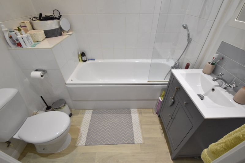 1 bedroom Flat to buy in Wensleydale, Luton - Photo 6