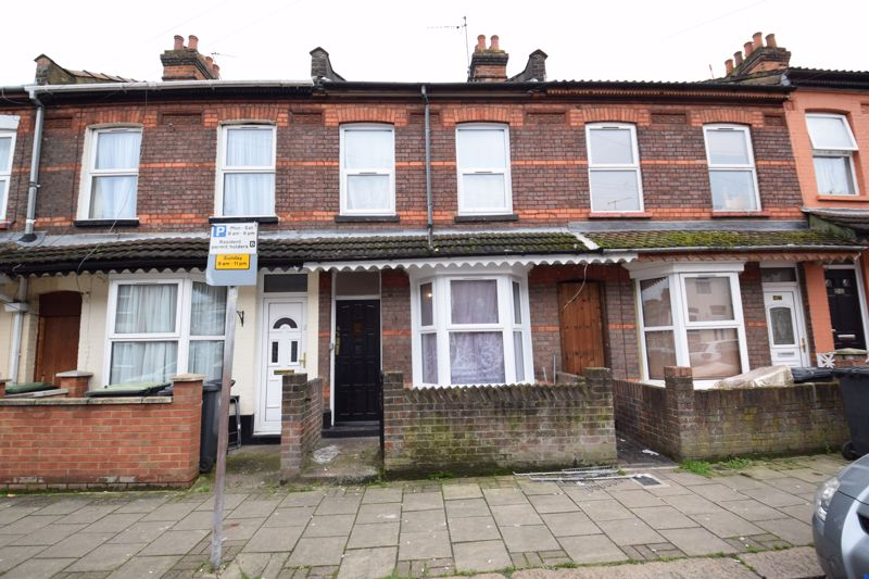 3 bedroom Mid Terrace to buy in Beech Road, Luton