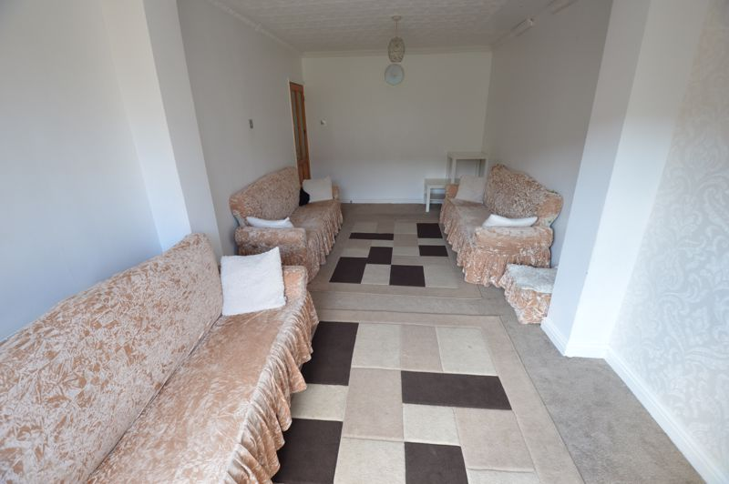 5 bedroom Mid Terrace to rent in Carisbrooke Road, Luton - Photo 15