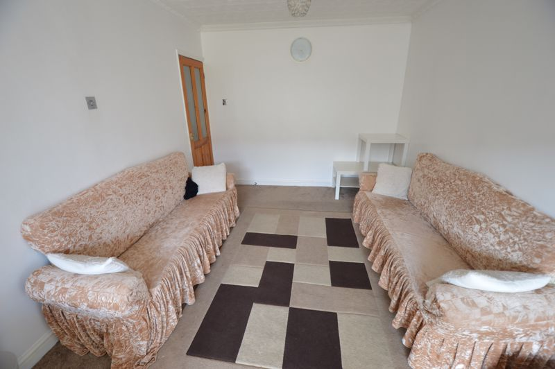 5 bedroom Mid Terrace to rent in Carisbrooke Road, Luton - Photo 16