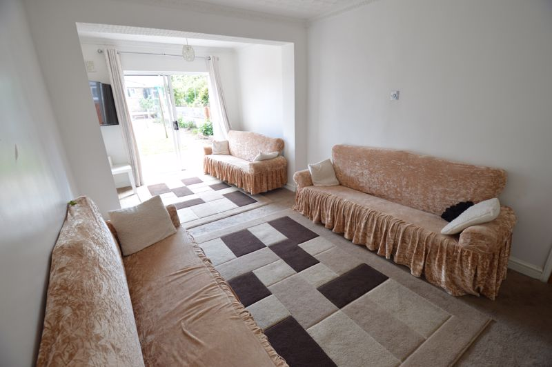 5 bedroom Mid Terrace to rent in Carisbrooke Road, Luton - Photo 17