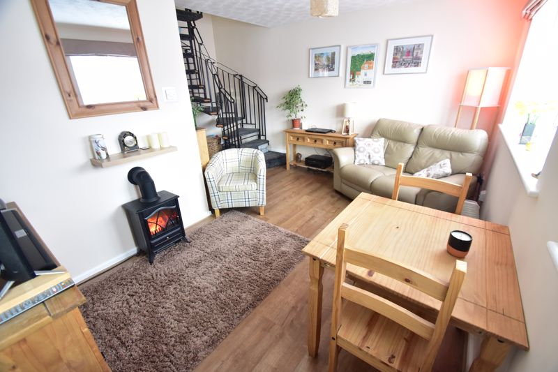 1 bedroom End Terrace to buy in Dexter Close, Luton - Photo 1