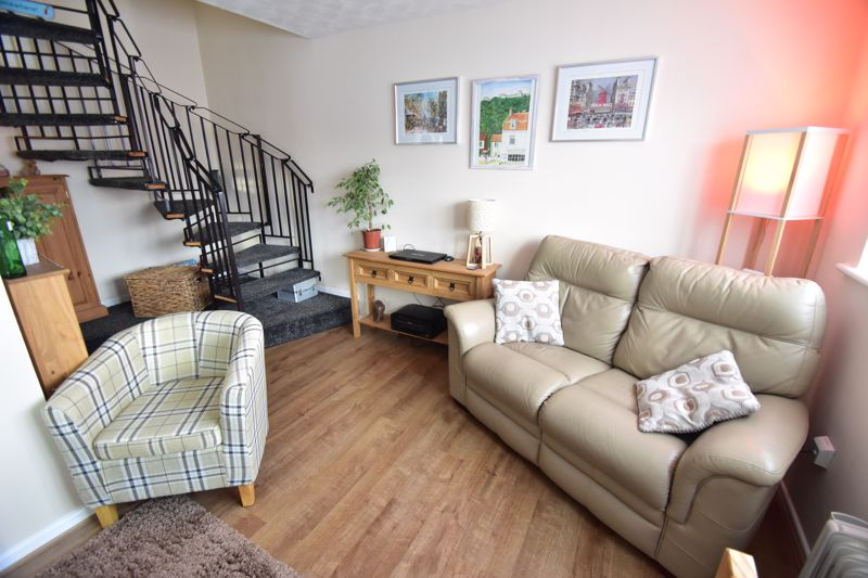1 bedroom End Terrace to buy in Dexter Close, Luton - Photo 2