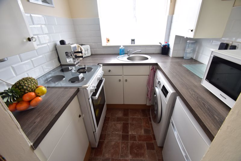 1 bedroom End Terrace to buy in Dexter Close, Luton - Photo 4