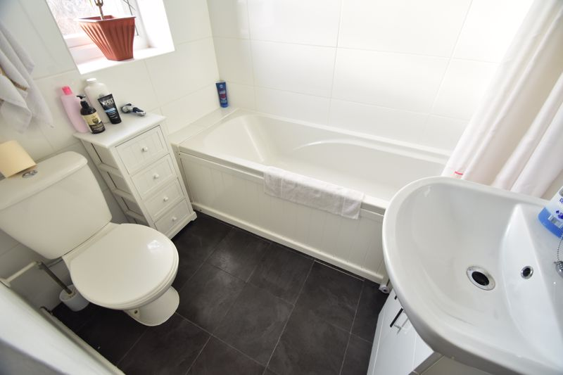 1 bedroom End Terrace to buy in Dexter Close, Luton - Photo 8