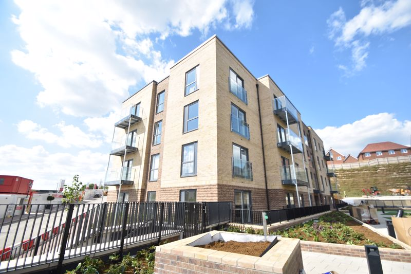 1 bedroom Flat to rent in Griffin Court, Stirling Drive, Luton