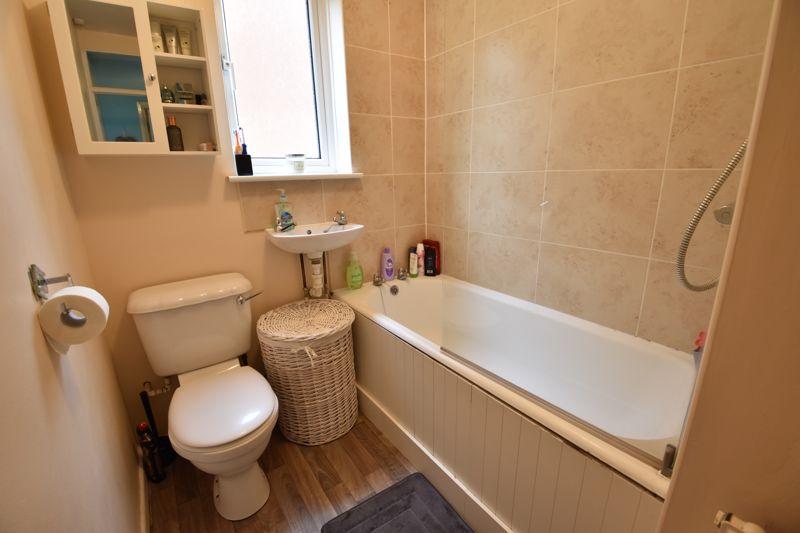 2 bedroom Apartment / Studio to buy in Brendon Avenue, Luton - Photo 3