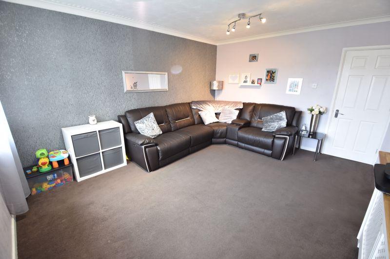 2 bedroom Apartment / Studio to buy in Brendon Avenue, Luton - Photo 8
