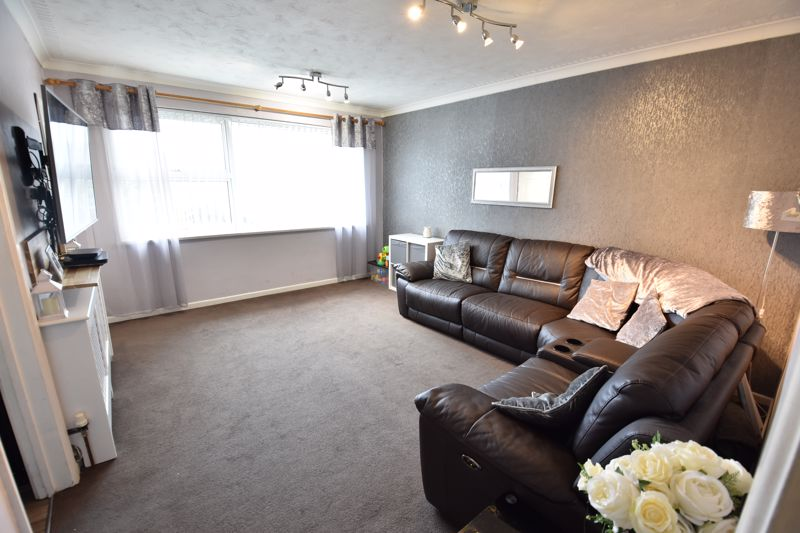 2 bedroom Apartment / Studio to buy in Brendon Avenue, Luton - Photo 9