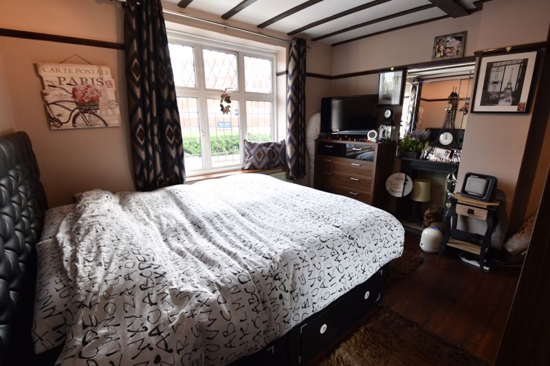 3 bedroom  to buy in Hitchin Road, Luton - Photo 1