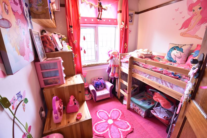 3 bedroom  to buy in Hitchin Road, Luton - Photo 4