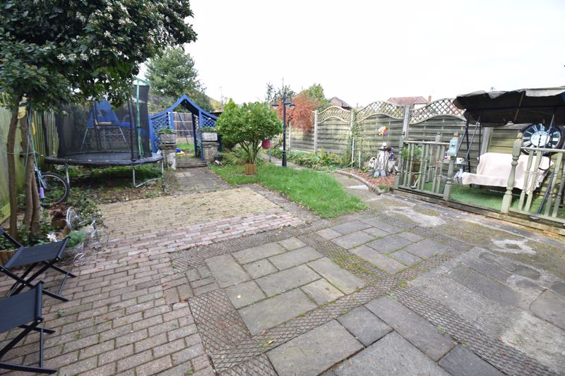 3 bedroom  to buy in Hitchin Road, Luton - Photo 12
