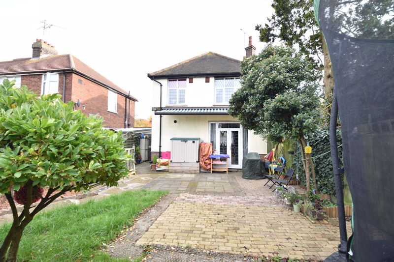 3 bedroom  to buy in Hitchin Road, Luton - Photo 14