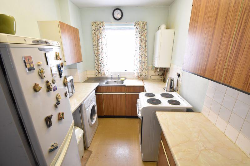 1 bedroom Flat to buy in Rowan Close, Luton - Photo 4