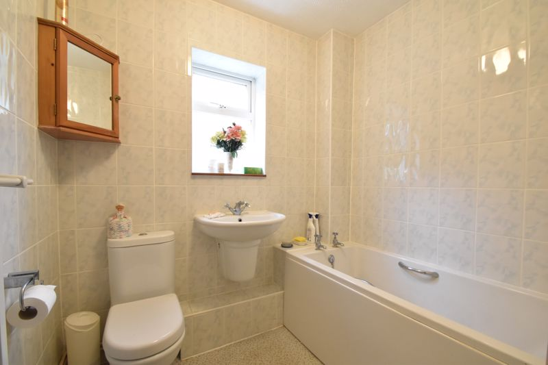 1 bedroom Flat to buy in Rowan Close, Luton - Photo 6