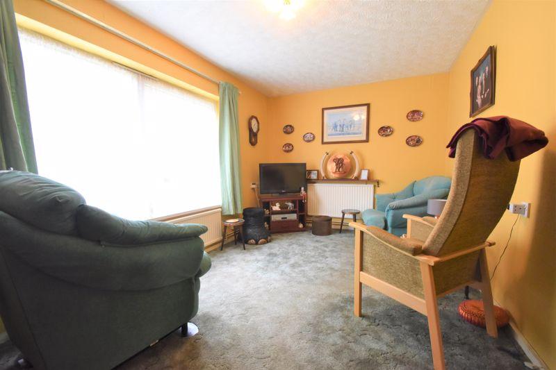 1 bedroom Flat to buy in Rowan Close, Luton - Photo 17
