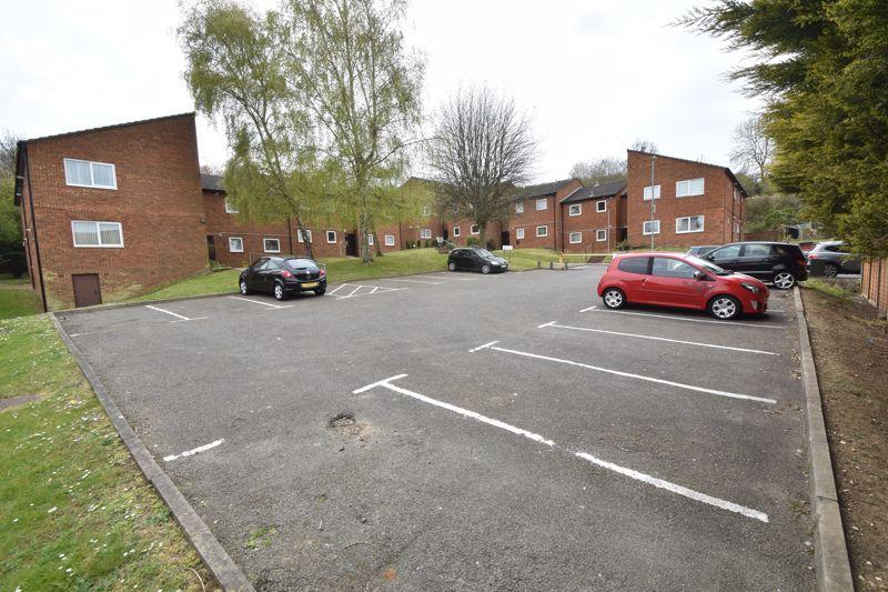 1 bedroom Flat to buy in Rowan Close, Luton - Photo 13