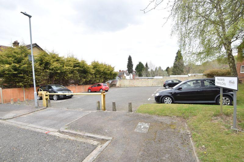 1 bedroom Flat to buy in Rowan Close, Luton - Photo 14