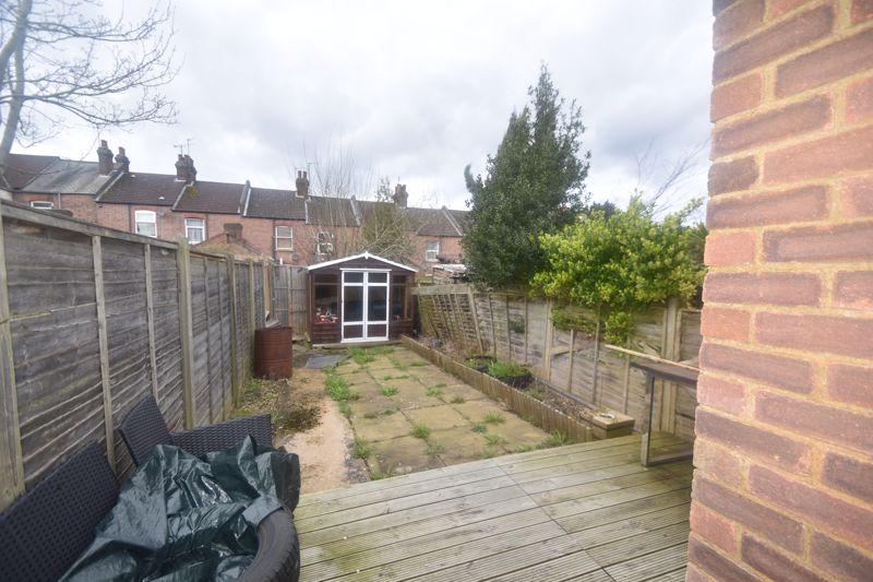 2 bedroom Mid Terrace to rent in Butlin Road, Luton - Photo 12
